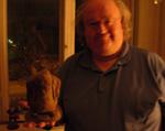 Morten med en lerfigur af ham selv. En gave fra Henning Kure, så vidt vi husker.