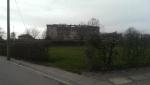 Udsigten fra kvarteret hvor fangernes familier boede. I dag er det et af de hyggeligste villaområder, jeg har set.