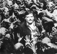 George A. Romero, den moderne filmzombies fader, omgivet af sine skabninger