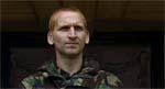 De onde soldaters leder, Major West (Christopher Eccleston).