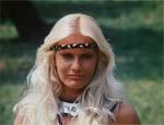 Roon (Sabrina Siani).