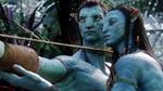 Neytiri oplærer Jake i Na'aviernes skikke