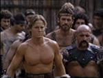 Den blonde bøf til venstre er helten Argan (Frank Zagarino).