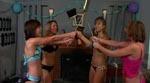 Pigerne bevæbner sig