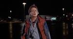 Marty McFly (Michael J. Fox) ser tidsmaskinen for første gang.