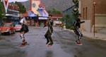 Fra den berømte hoverboard-jagt. Her er det Biffs håndlangere, der jager Marty.