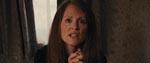 Julianne Moore som Carries religiøst vanvittige mor.