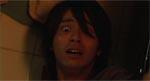 Naoto ser noget grumt - en død japaner.