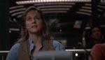 Karen Ross (Laura Linney) taler over satellit med sin eks