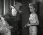 Den gamle guldgraver, Pete (Raymand Hatton), ankommer sammen med sit æsel