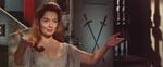 Fra frygtsom kvinde til vampet blodsuger: Barbara Shelley som Helen