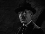Prof. Von Helsing (Edward Van Sloan).