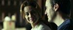 Laura (Belén Rueda) og Carlos (Fernando Cayo), leverer begge en solid præstation som det lykkelige ægtepar som må så meget igennem