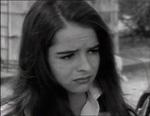 Den stakkels teen Linda (Sue Bernard).