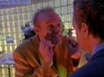 Matt Frewer overspiller fælt i rollen som den gale videnskabsmand Russel Tresh.