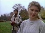 Arlee Hicks (Suzanne Davis) og i baggrunden Mondo (Bumper Robinson).