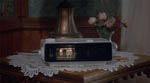 Hver morgen kl. 6.00 begynder clockradioen at spille Sonny & Cher.