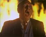 'Flaming color!' reklameres der med på filmens plakat - selvfølgelig skal det tages bogstaveligt!