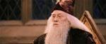 Sympatiske Richard Harris som Hogwarts' rektor Dumbledore.