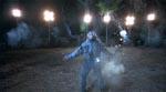 Jason pløkkes i småstumper ved filmens begyndelse.