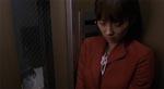 Hitomi (Misaki Ito) i elevatoren i bygningen, hvor hun bor. Læg mærke til Toshio t.v. i billedet - han er på alle etager!