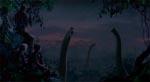 Fra én af filmens stille scener, hvor de store (og fredelige) brachiosaurer kommer tæt på