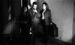 De tre unge mennesker er ankommet til vampyrhuset