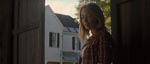 Emily Blunt som Sara.