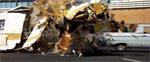 Et af de spektakulære uheld i filmens indledende biljagt