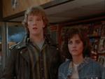 De to teens - Kevin (Robert Duncan McNeill) og Julia (Courteney Cox).