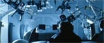 Scenen fra den store jagtsekvens, hvor Witver og Anderton slås på samlebåndet i en bilfabrik er som taget ud af mine-scenen i 'Indiana Jones and the Temple of Doom' (1984).