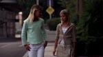 The Photographer belurer sin kærestes lillesøster (t.h.) og dennes veninde - en af filmens klamme pseudopædofile undertoner.