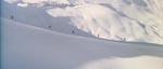Blofeld og hans mænd i skarp forfølgelse af Bond i én af filmens forrygende skijagter