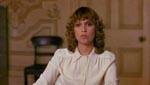 Kathy (Susan Penhaligon) bliver ansat