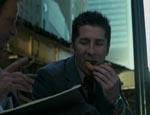 Leland Orser, serial killer allstar, nyder en omgang cop food.
