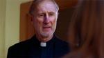 James Cromwell som den katolske præst, Fader Callahan.