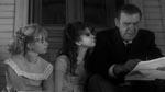 Bruno med Merrye-døtrene Virginia (Jill Banner) og Elizabeth (Beverly Washburn)