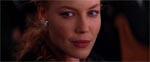 Fristelser.. fristelser.. Connie Nielsen som Christabella, der sender Kevin lystne blikke