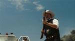 Den mindst lige så sadistiske sherif i starten af hans 'search and destroy'-mission