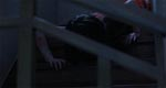 Kayako kommer kravlende ned ad trappen hen imod filmens slutning