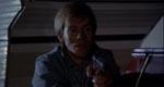 En presset Bobby (Robert Houston).