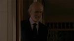 Pigerne er ankommet. Fælden er klappet. Mr. Ulman (Tom Noonan) ser tilfreds ud.