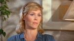 Dee Wallace som Karen White