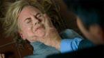 Tucker smitter Carol ved at kaste op i ansigtet på hende - yuck!
