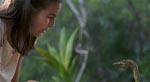 Prologen med den lille pige, der bliver overfaldet af mini-dinoer er faktisk hentet fra den første Jurassic Park-roman