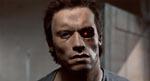 Terminatoren har lige opereret sit ene øje ud.