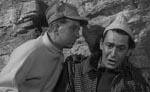 De to bjergbestigere, der i filmens begyndelse får sig en ubehagelig overraskelse - bemærk fyren til højre, der overspiller til den helt store guldmedalje!