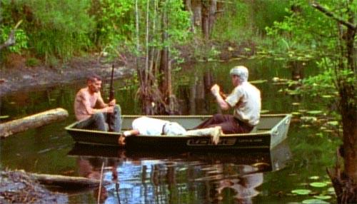 Skurkene tager cliff med ud i sumpen banjoen ligger i bunden af