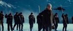 Den stemningsfulde intro med Fader Joe (Billy Connolly) i forgrunden