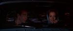 Bond får et lift af den smukke, men farlige, Fiona Volpe (Luciana Paluzzi)